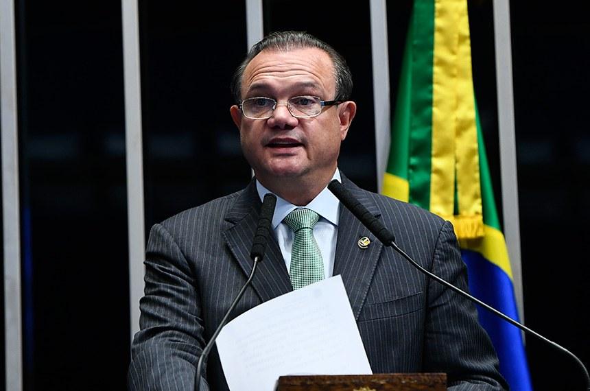 Plenário do Senado Federal durante sessão deliberativa ordinária.   Em discurso, à tribuna, senador Wellington Fagundes (PR-MT).  Foto: Moreira Mariz/Agência Senado