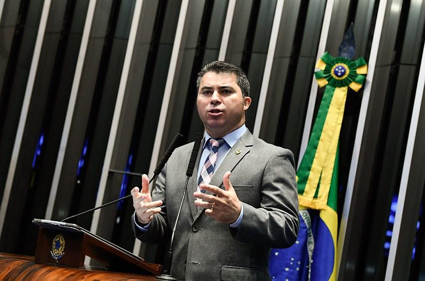 Plenário do Senado Federal durante sessão não deliberativa.   Em discurso, à tribuna, senador Marcos Rogério (DEM-RO).  Foto: Marcos Oliveira/Agência Senado