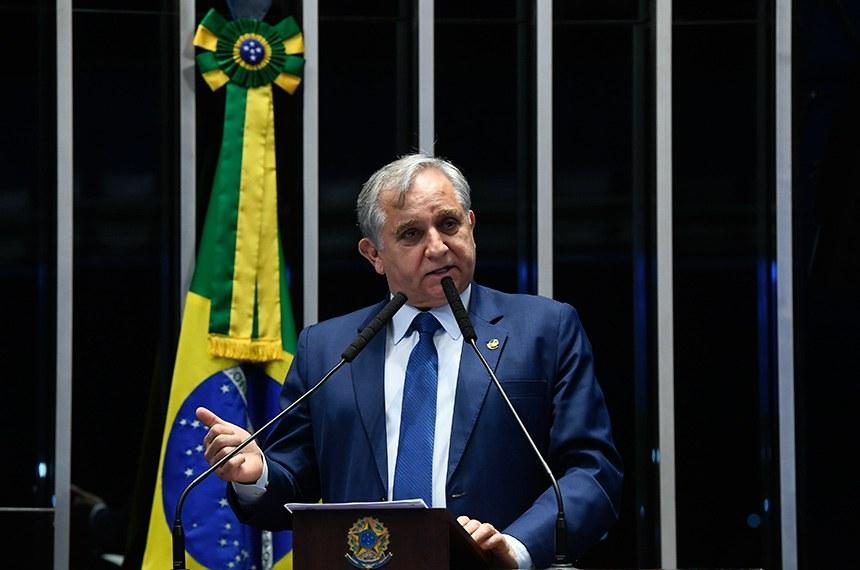 Plenário do Senado Federal durante sessão não deliberativa extraordinária.   Em discurso, à tribuna, senador Izalci (PSDB-DF).  Foto: Marcos Oliveira/Agência Senado