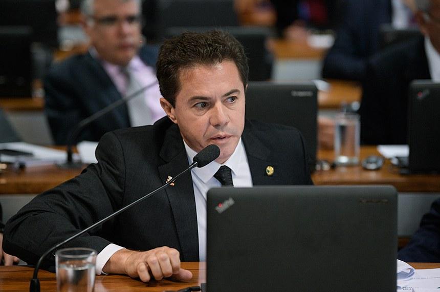 Comissão de Assuntos Econômicos (CAE) realiza reunião com apreciação de empréstimos.  Em pronunciamento, senador Veneziano Vital do Rêgo (PSB-PB).  Foto: Pedro França/Agência Senado