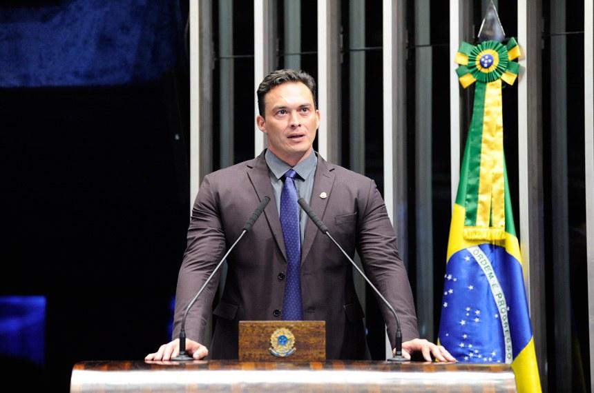 Plenário do Senado Federal durante sessão não deliberativa.   Em discurso, à tribuna, senador Styvenson Valentim (Pode-RN).  Foto: Roque de Sá/Agência Senado