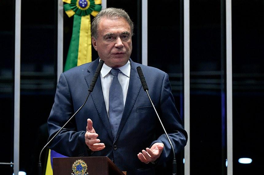 Plenário do Senado Federal durante sessão deliberativa ordinária.   À tribuna, em discurso, senador Alvaro Dias (Pode-PR).  Foto: Geraldo Magela/Agência Senado