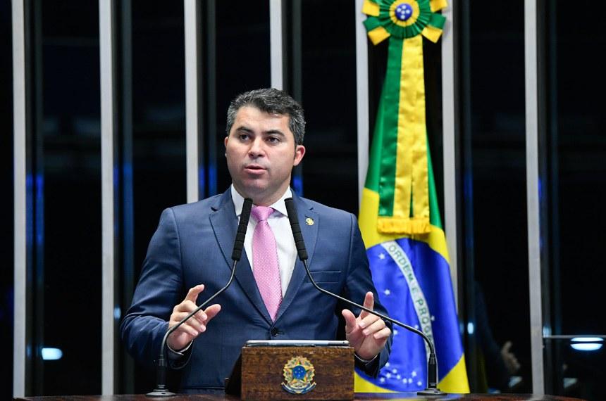 Plenário do Senado Federal durante sessão deliberativa ordinária.   Em discurso, à tribuna, senador Marcos Rogério (DEM-RO).  Foto: Marcos Oliveira/Agência Senado