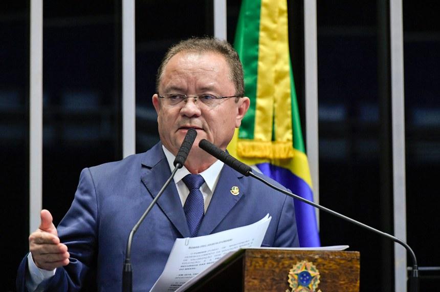 Plenário do Senado Federal durante sessão deliberativa ordinária.   Em discurso, à tribuna, senador Zequinha Marinho (PSC-PA).   Foto: Geraldo Magela/Agência Senado