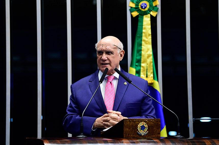 Plenário do Senado Federal durante sessão deliberativa ordinária.   Em discurso, à tribuna, senador Lasier Martins (Pode-RS).    Foto: Pedro França/Agência Senado