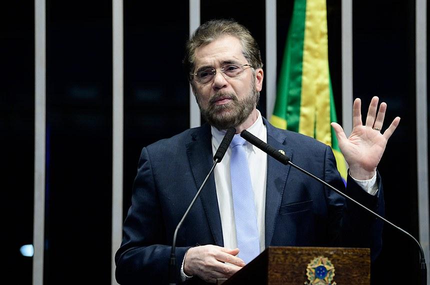 Plenário do Senado Federal durante sessão deliberativa ordinária.   Em discurso, à tribuna, senador Plínio Valério (PSDB-AM).  Foto: Pedro França/Agência Senado