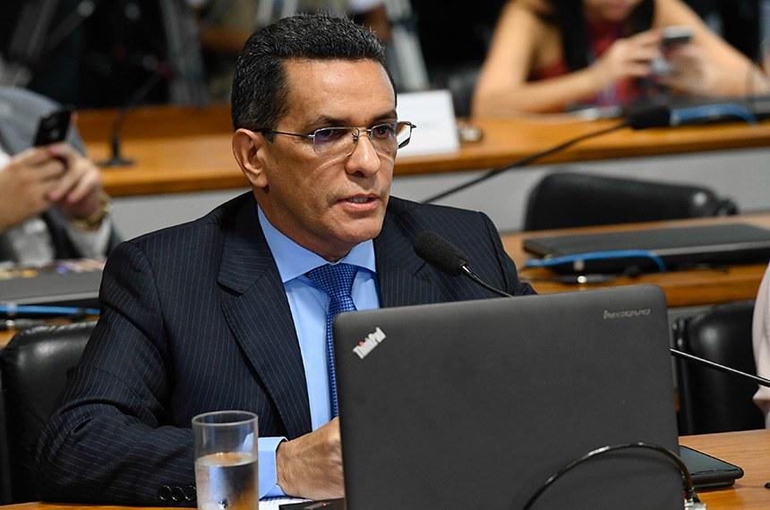 Subcomissão Temporária sobre a Venezuela (CRESTV) realiza audiência pública interativa para discutir a crise na Venezuela e seu impacto no Brasil.   À bancada, senador Mecias de Jesus (PRB-RR).  Foto: Marcos Oliveira/Agência Senado