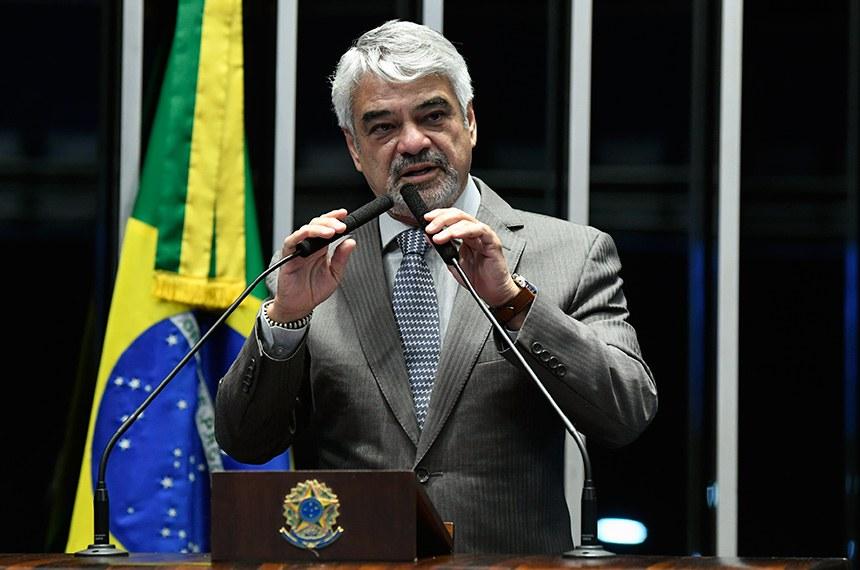 Plenário do Senado Federal durante sessão não deliberativa extraordinária.   Em discurso, à tribuna, senador Humberto Costa (PT-PE).  Foto: Roque de Sá/Agência Senado