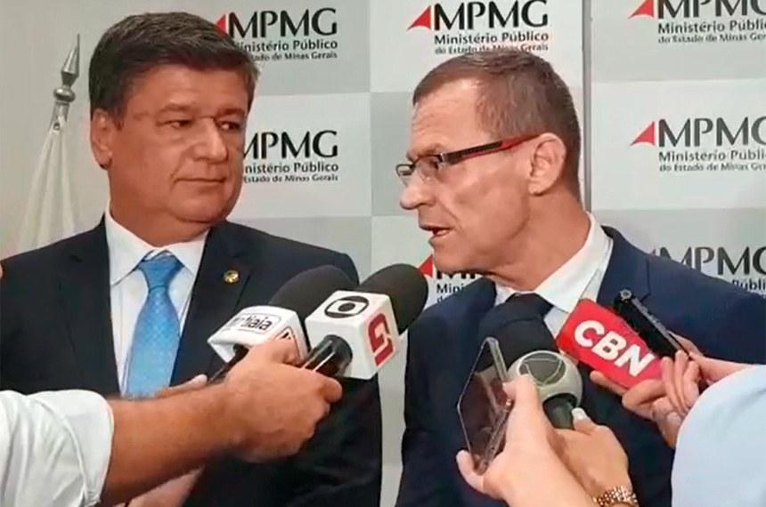 Depois de visitar a mina Gongo Soco, os senadores concederam entrevista na sede do Ministério Público em Minas Gerais, em que lamentaram a situação das barragens e a possibilidade de novos acidentes