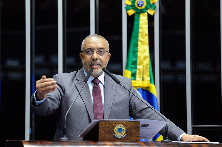 Plenário do Senado Federal durante sessão não deliberativa.   À tribuna, em discurso, senador Paulo Paim (PT-RS).  Foto: Roque de Sá/Agência Senado