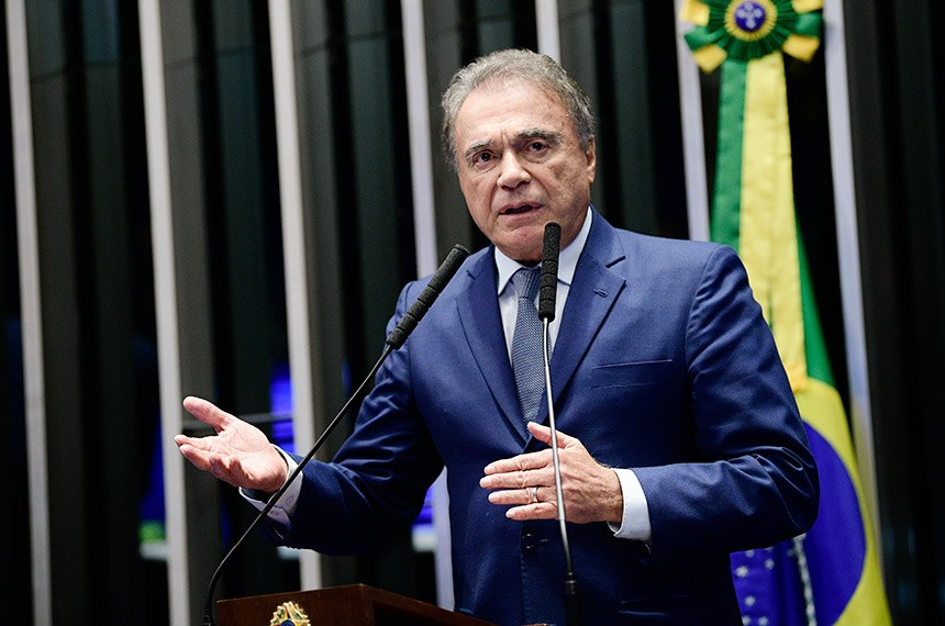 Plenário do Senado Federal durante sessão deliberativa ordinária.   Em discurso, à tribuna, senador Alvaro Dias (Pode-PR).  Foto: Pedro França/Agência Senado