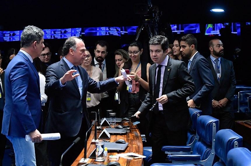 Plenário do Senado Federal durante sessão deliberativa ordinária.   Participam: senador Fernando Bezerra Coelho (MDB-PE);  senador Rogério Carvalho Santos (PT-SE); senador Randolfe Rodrigues (Rede-AP).  Foto: Geraldo Magela/Agência Senado