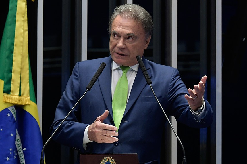 Plenário do Senado Federal durante sessão deliberativa ordinária.   Em discurso, à tribuna, senador Alvaro Dias (Pode-PR).  Foto: Waldemir Barreto/Agência Senado