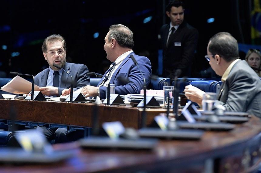 Plenário do Senado Federal durante sessão deliberativa ordinária.   Bancada:  senador Plínio Valério (PSDB-AM);  senador Lucas Barreto (PSD-AP);  senador Jorge Kajuru (PSB-GO).  Foto: Waldemir Barreto/Agência Senado
