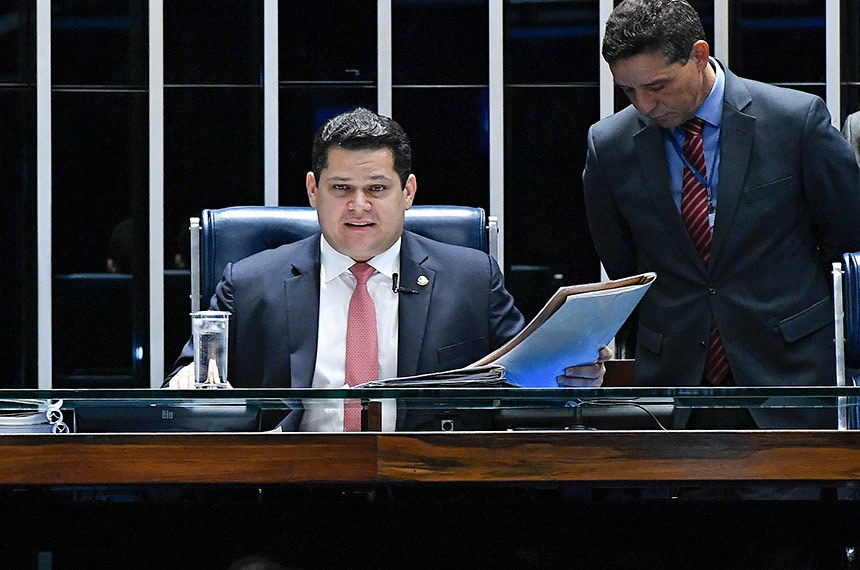 Plenário do Senado Federal durante sessão deliberativa extraordinária. Ordem do dia.  Mesa: senador Vanderlan Cardoso (PP-GO); presidente do Senado, senador Davi Alcolumbre (DEM-AP).  Foto: Geraldo Magela/Agência Senado