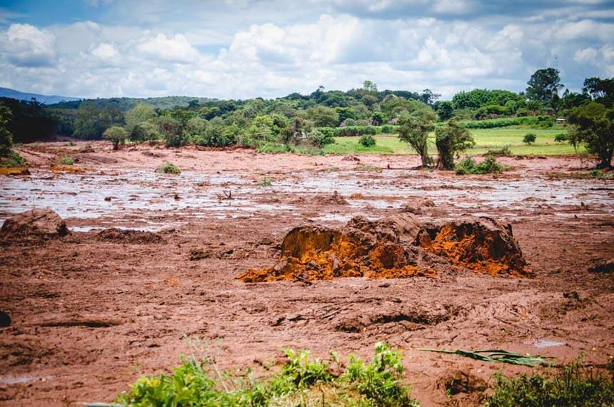 Rompimento da barragem da mina do feijão em Brumadinho (MG).