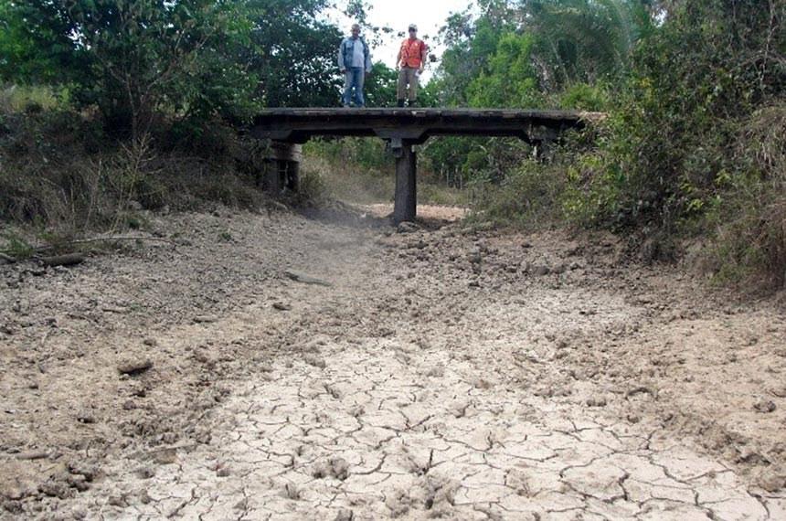 Estiagem no Maranhão: Percurso por onde passava o Rio Mutum no município de Chapadinha (2015).