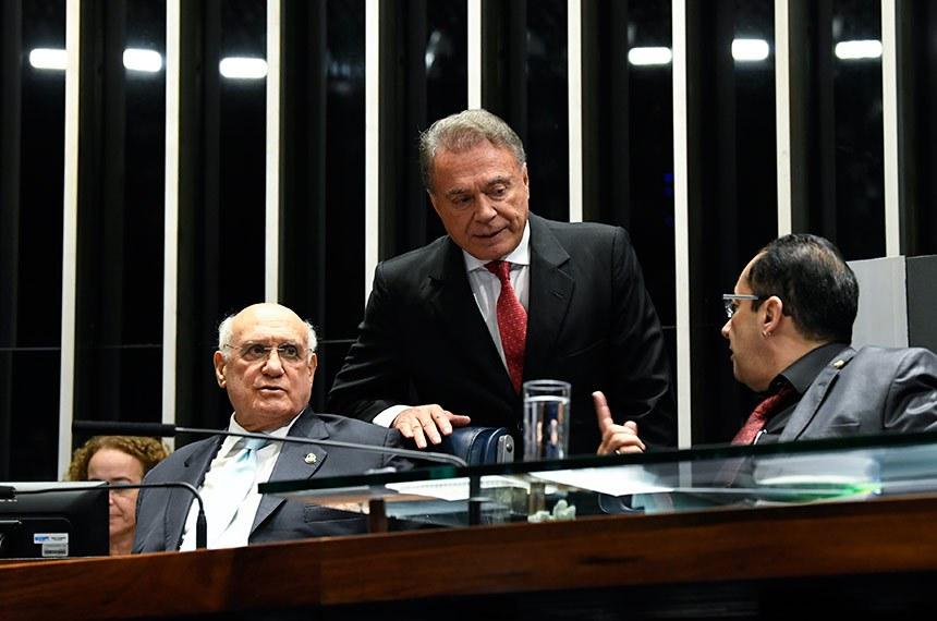 Plenário do Senado Federal durante sessão deliberativa ordinária.   Mesa: senador Lasier Martins (Podemos-RS); senador Alvaro Dias (Podemos-PR); senador Jorge Kajuru (PSB-GO).  Foto: Jefferson Rudy/Agência Senado