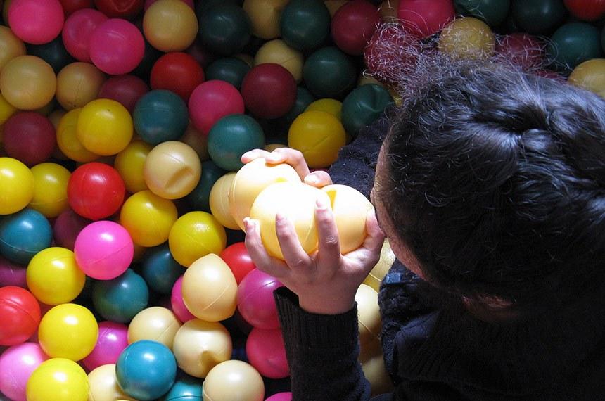 """Crianças e jovens da escola para autistas """"Jornada de Esperança"""", no Peru."""