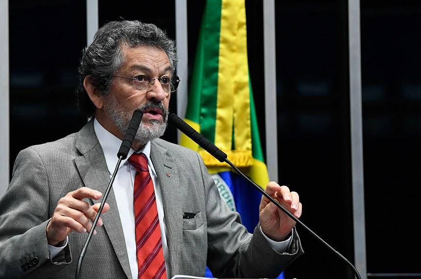 Plenário do Senado Federal durante sessão não deliberativa.   Em discurso, à tribuna, senador Paulo Rocha (PT-PA).  Foto: Marcos Oliveira/Agência Senado