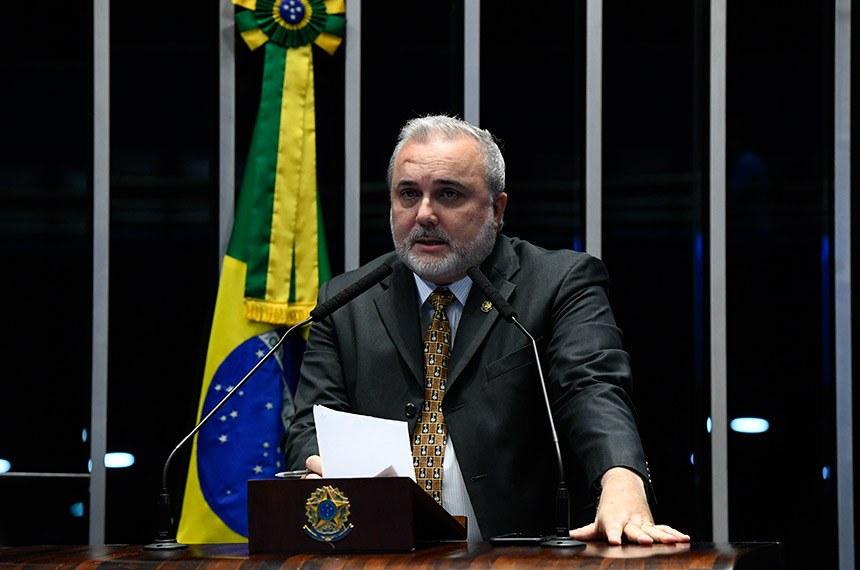 Plenário do Senado Federal durante sessão não deliberativa.   Em discurso, à tribuna, senador Jean Paul Prates (PT-RN).  Foto: Marcos Oliveira/Agência Senado