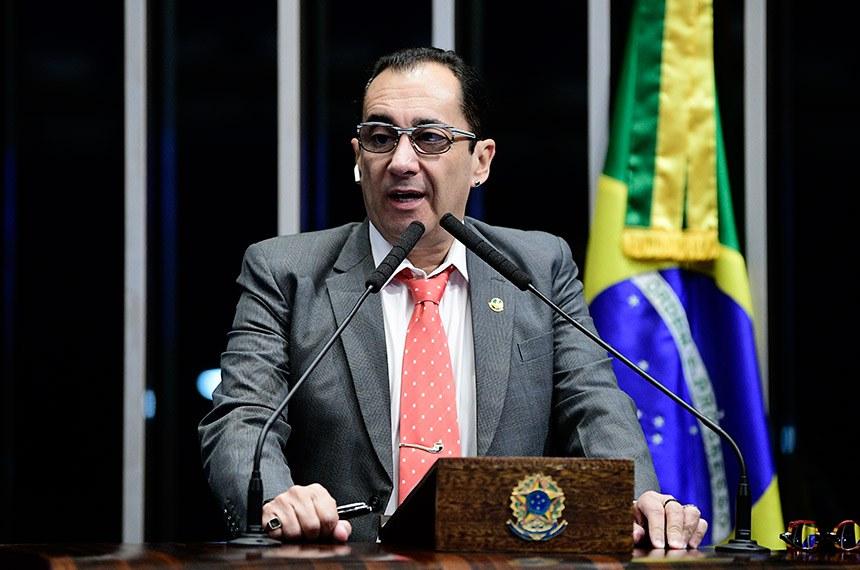 Plenário do Senado Federal durante sessão não deliberativa.   À tribuna, em discurso, senador Jorge Kajuru (PSB-GO).  Foto: Pedro França/Agência Senado