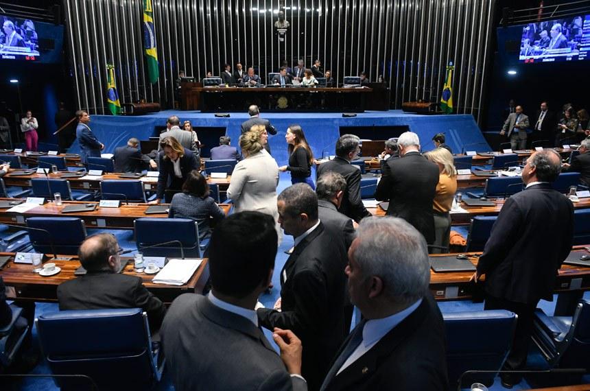 Plenário do Senado Federal durante sessão deliberativa ordinária. Ordem do dia.   À mesa: senador Eduardo Gomes (MDB-TO);  presidente do Senado, senador Davi Alcolumbre (DEM-AP); senadora Kátia Abreu (PDT-TO).  Foto: Jefferson Rudy/Agência Senado