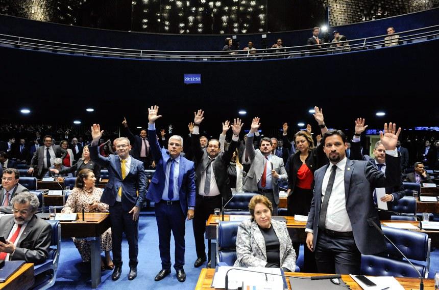 Plenário do Senado Federal durante sessão deliberativa ordinária. Ordem do dia.  Plenário durante votação.  Participam: senador Alessandro Vieira (PPS-SE); senador Eduardo Girão (Podemos-CE); senador Fabiano Contarato (Rede-ES); senador Jaques Wagner (PT-BA); senador Jorge Kajuru (PSB-GO);  senador Marcos do Val (Cidadania-ES); senador Paulo Rocha (PT-PA);  senador Rodrigo Cunha (PSDB-AL); senadora Leila Barros (PSB-DF);  senadora Renilde Bulhões (Pros-AL); senadora Soraya Thronicke (PSL-MS).  Foto: Roque de Sá/Agência Senado