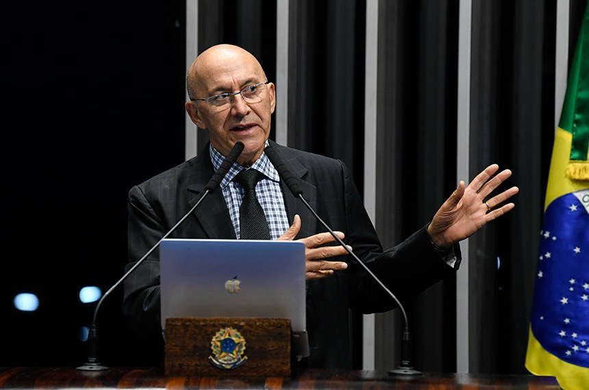 Plenário do Senado Federal durante sessão não deliberativa.   Em discurso, à tribuna, senador Confúcio Moura (MDB-RO).  Foto: Jefferson Rudy/Agência Senado