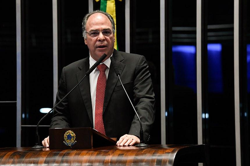 Plenário do Senado Federal durante sessão não deliberativa.   Em pronunciamento, à tribuna, senador Fernando Bezerra Coelho (MDB-PE).   Foto: Jefferson Rudy/Agência Senado