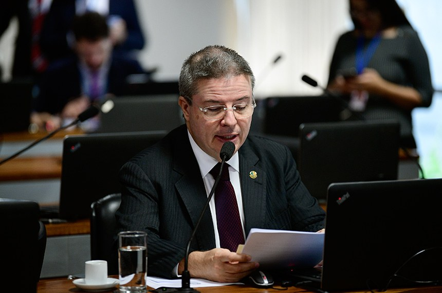É preciso estabelecer limite de tempo entre a decisão cautelar e o julgamento de mérito das ações, defende o relator, Antonio Anastasia