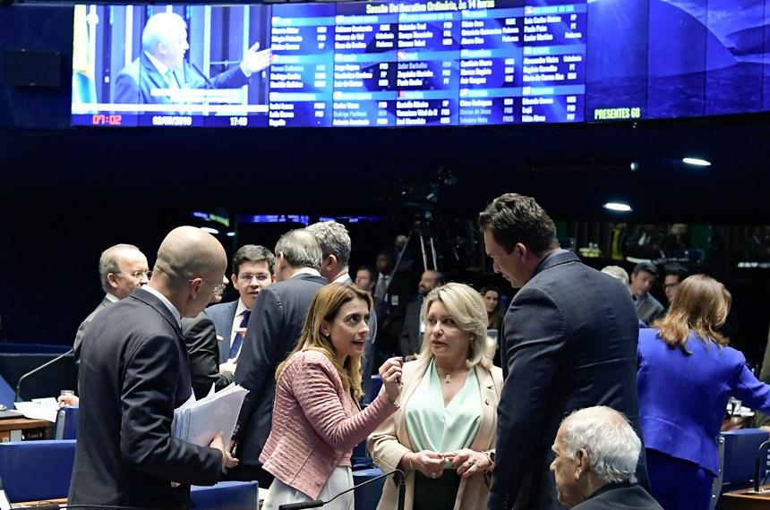 Plenário do Senado Federal durante sessão deliberativa ordinária. Ordem do dia.   Participam:  senadora Soraya Thronicke (PSL-MS);  senadora Juíza Selma (PSL-MT);  senador Styvenson Valentim (Podemos-RN);  senador Oriovisto Guimarães (Podemos-PR).  Foto: Waldemir Barreto/Agência Senado
