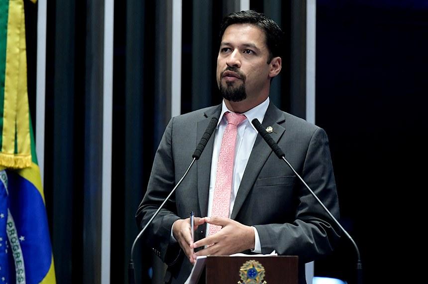 Plenário do Senado Federal durante sessão não deliberativa.   À tribuna, em discurso, senador Rodrigo Cunha (PSDB-AL).  Foto: Waldemir Barreto/Agência Senado