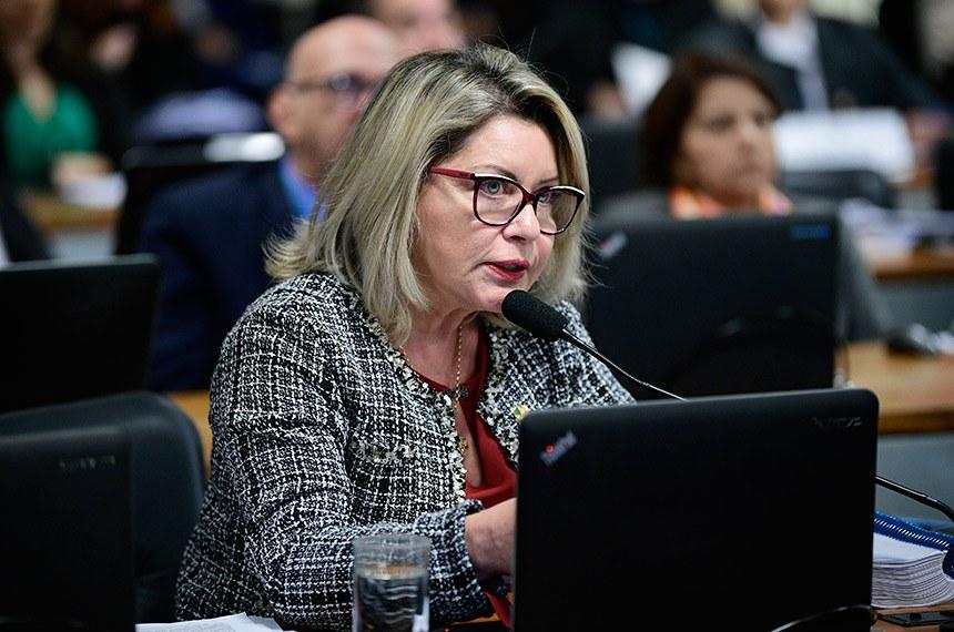 Favorável à aprovação da PEC, a relatora, Juíza Selma, diz que a proposta põe fim às dúvidas sobre forma de votação