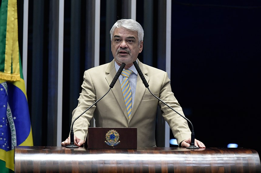 Plenário do Senado Federal durante sessão deliberativa ordinária.   Em discurso, à tribuna, senador Humberto Costa (PT-PE).  Foto: Waldemir Barreto/Agência Senado