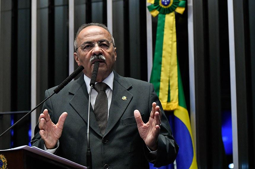 Plenário do Senado Federal durante sessão não deliberativa.   Em discurso, à tribuna, senador Chico Rodrigues (DEM-RR).  Foto: Geraldo Magela/Agência Senado