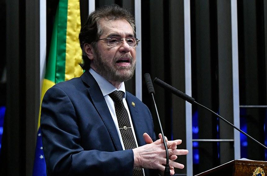 Plenário do Senado Federal durante sessão não deliberativa.   Em discurso, à tribuna, senador Plínio Valério (PSDB-AM).  Foto: Geraldo Magela/Agência Senado