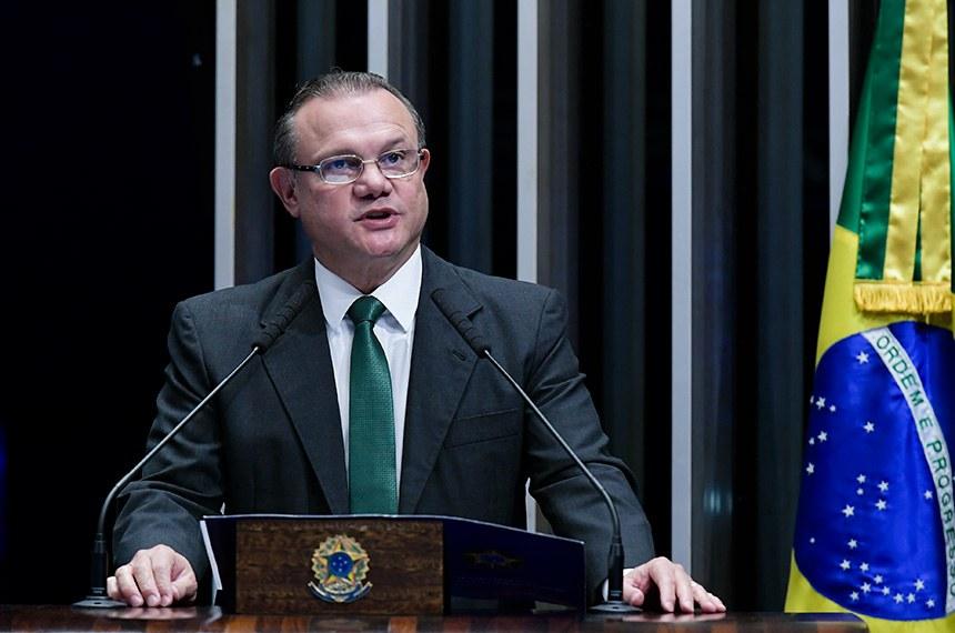 Plenário do Senado Federal durante sessão não deliberativa.   À tribuna, em discurso, senador Wellington Fagundes (PL-MT).  Foto: Waldemir Barreto/Agência Senado