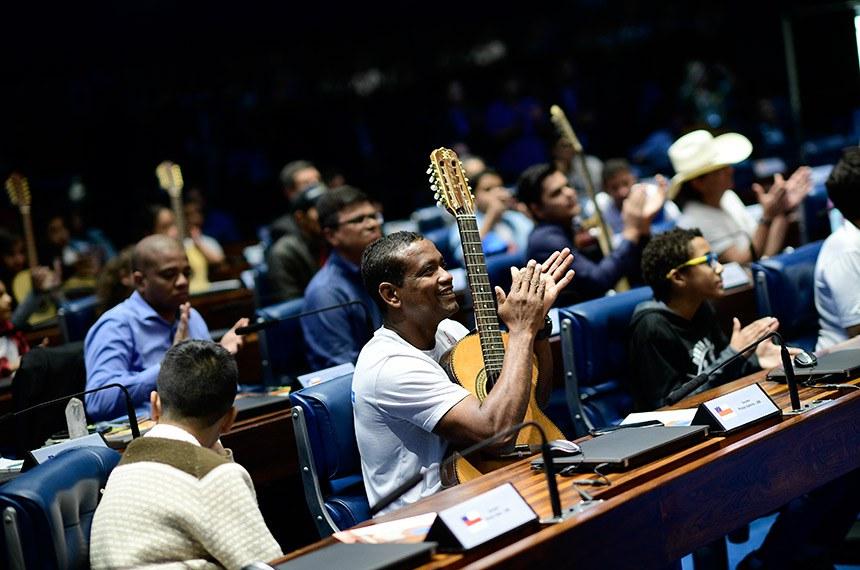 Plenário do Senado Federal durante sessão especial destinada a comemorar o Dia Nacional da Música e da Viola Caipira.   Foto: Pedro França/Agência Senado