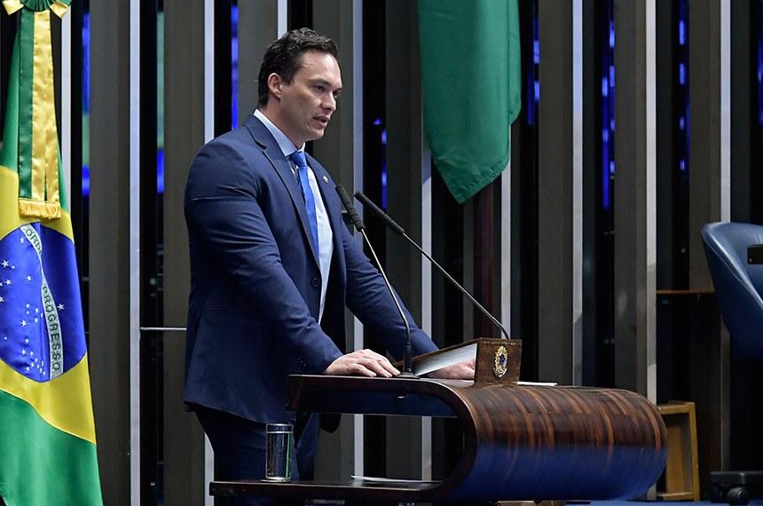 Plenário do Senado Federal durante sessão não deliberativa.   Em discurso, à tribuna, senador Styvenson Valentim (Podemos-RN).  Foto: Waldemir Barreto/Agência Senado