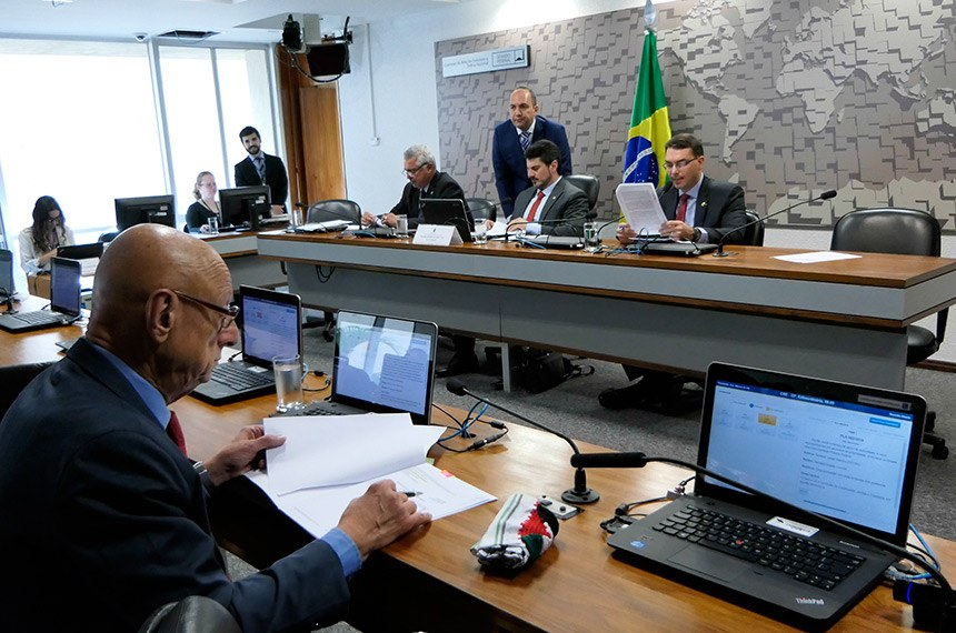 Senador Esperidião Amin é relator na CRE de uma das indicações para representação brasileira no exterior