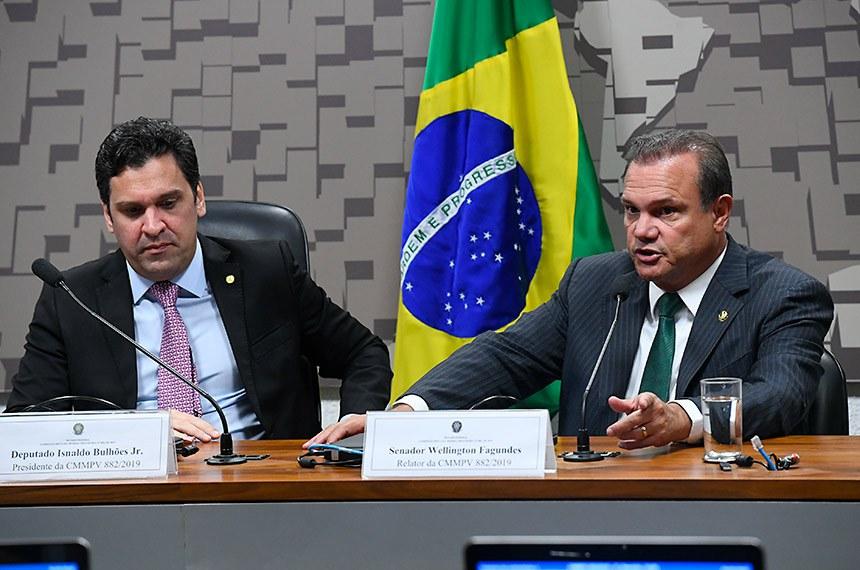 Senador Wellington Fagundes (à dir.), ao lado do presidente da comissão mista, deputado Inaldo Bulhões Jr., apresentará o relatório sobre as medidas que buscam destravar investimentos em infraestrutura