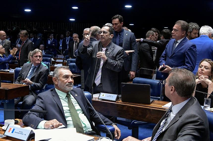Plenário do Senado Federal durante sessão deliberativa ordinária.   Em pronunciamento, à bancada, senador Jorge Kajuru (PSB-GO).   Foto: Waldemir Barreto/Agência Senado