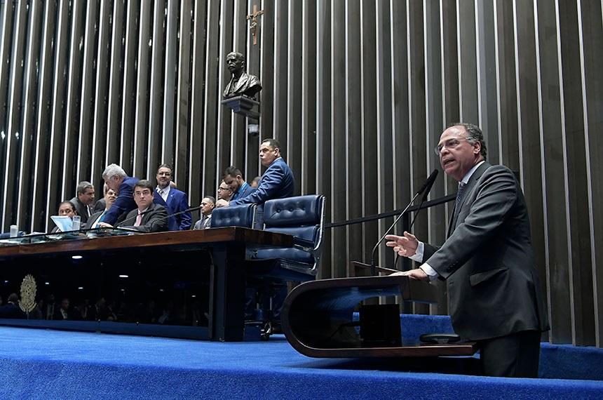 Plenário do Senado Federal durante sessão deliberativa ordinária. Ordem do dia.    Em discurso, à tribuna, senador Fernando Bezerra Coelho (MDB-PE).  Foto: Waldemir Barreto/Agência Senado