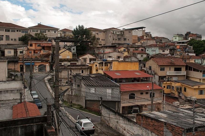 Favela no subúrbio de São Paulo (SP)