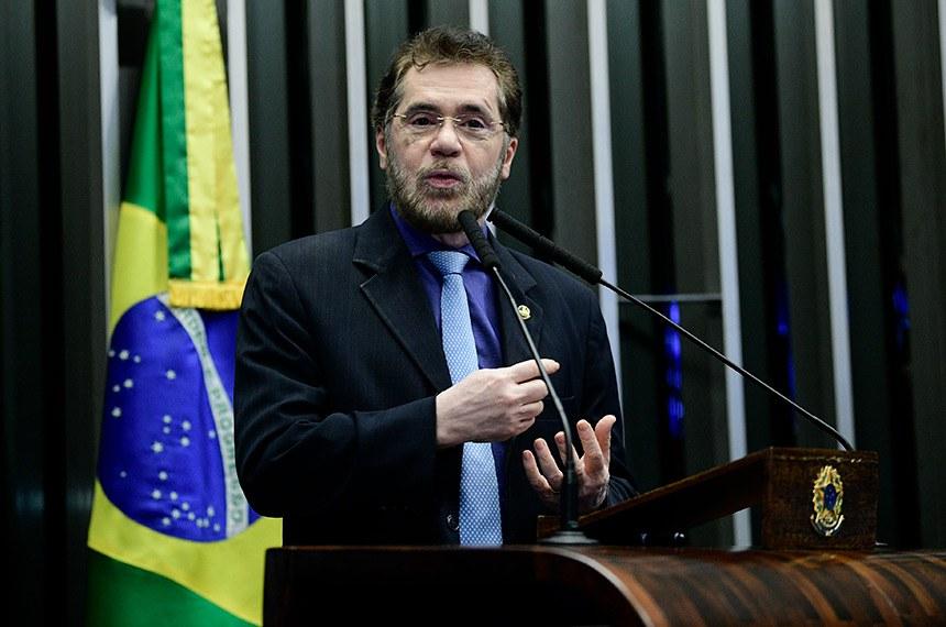 Plenário do Senado Federal durante sessão não deliberativa.   Em discurso, à tribuna, senador Plínio Valério (PSDB-AM).  Foto: Pedro França/Agência Senado