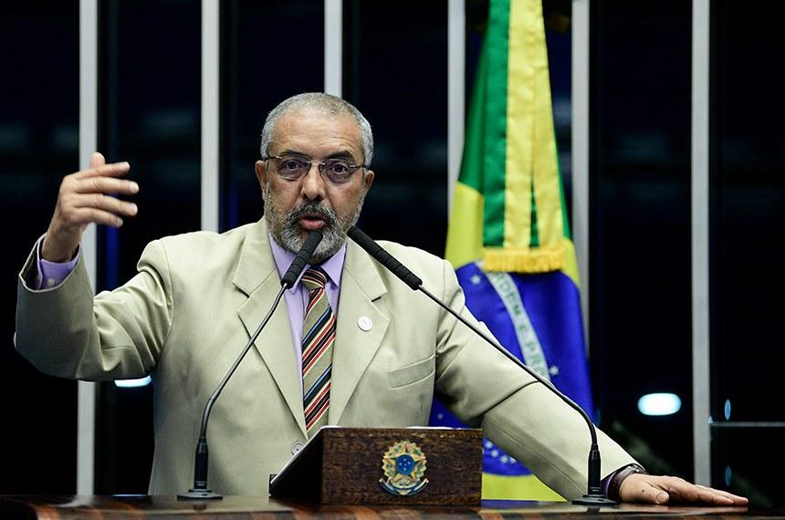 Plenário do Senado Federal durante sessão não deliberativa.   Em discurso, à tribuna, senador Paulo Paim (PT-RS).  Foto: Pedro França/Agência Senado