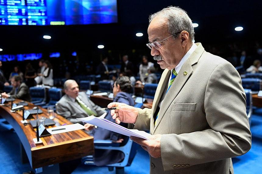 Plenário do Senado Federal durante sessão deliberativa ordinária. Ordem do dia.   Em destaque, senador Chico Rodrigues (DEM-RR).  Foto: Pedro França/Agência Senado
