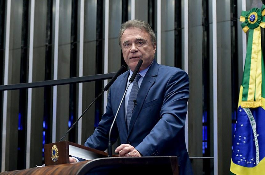 Plenário do Senado Federal durante sessão não deliberativa.   Em discurso, à tribuna, senador Alvaro Dias (Podemos-PR).  Foto: Waldemir Barreto/Agência Senado