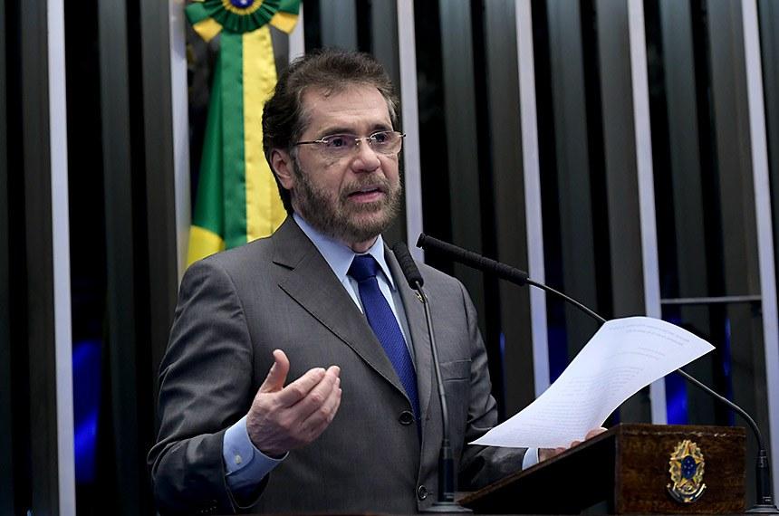 Plenário do Senado Federal durante sessão não deliberativa.   Em discurso, à tribuna, senador Plínio Valério (PSDB-AM).  Foto: Waldemir Barreto/Agência Senado